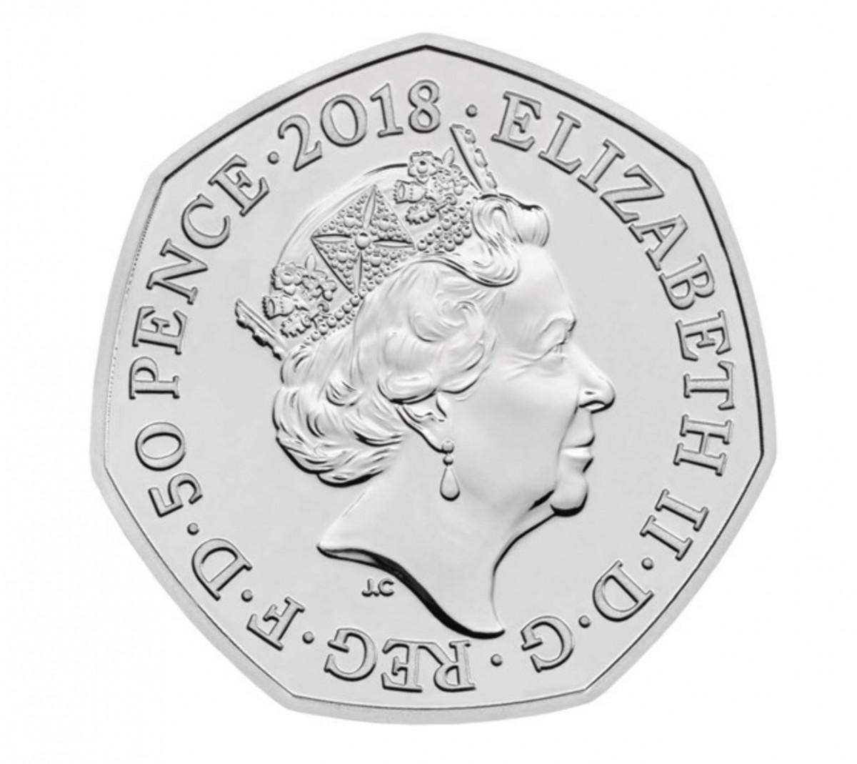 Великобритания 50 пенсов 2018 года Медвежонок Паддингтон у Букингемского дворца  код 20675
